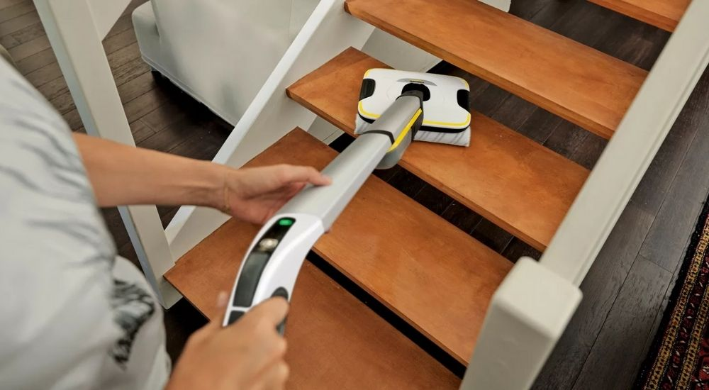 Come funziona la lavasciuga per pavimenti Karcher FC7