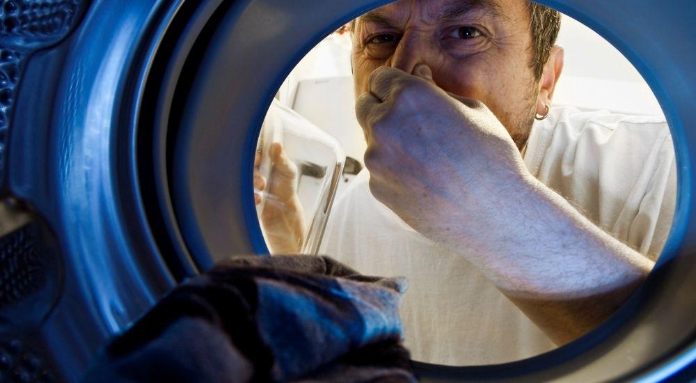 Come togliere il cattivo odore dalla lavatrice
